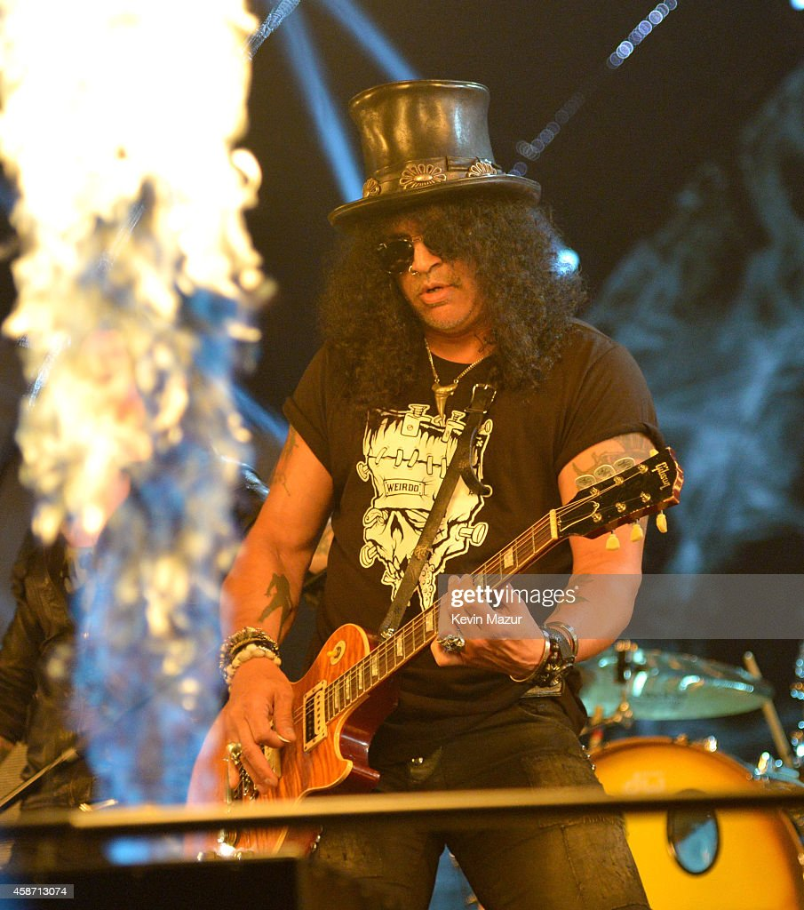 Slash performs at the MTV EMA's 2014 at The Hydro on November 9, 2014 in Glasgow, Scotland.