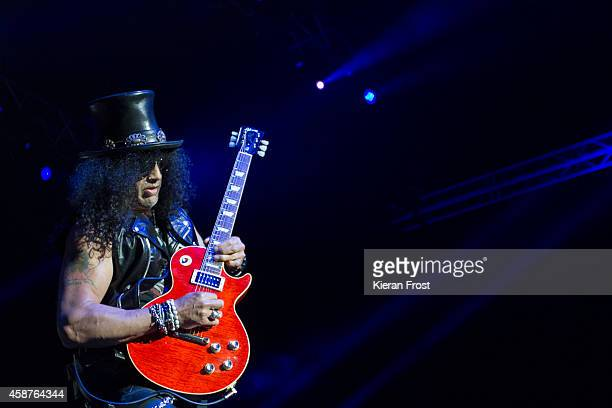 Slash performs on stage at 3Arena on November 10 2014 in Dublin Ireland