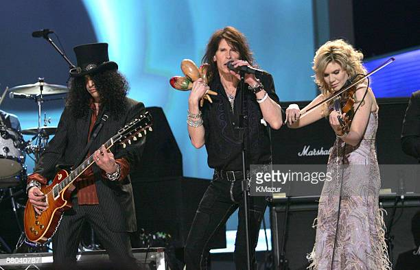 "Slash, Steven Tyler and Alison Krauss perform ""Across the Universe"" for the Tsunami Relief performance"