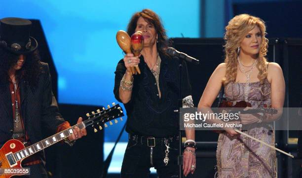 "Slash, Steven Tyler and Alison Krauss perform ""Across The Universe"" the Tsunami Relief performance"