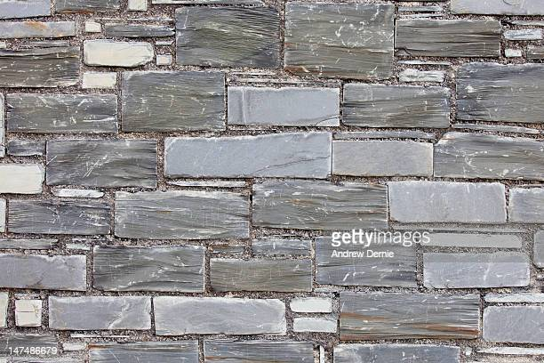 slate wall - andrew dernie photos et images de collection