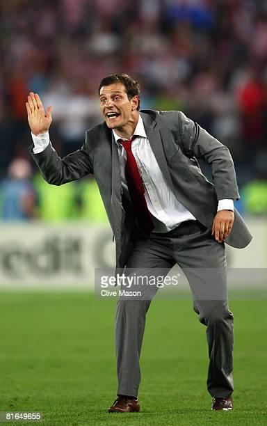 Slaven Bilic coach of Croatia guestures during the UEFA EURO 2008 Quarter Final match between Croatia and Turkey at Ernst Happel Stadion on June 20,...