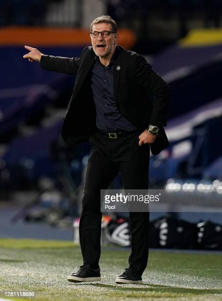 Slaven Bilic Manager of West Bromwich Albion gives his team instructions during the Premier League match between West Bromwich Albion and Burnley at...