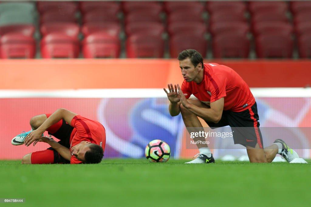 Slawomir Peszko and Grzegorz Krychowiak of Poland during a training... News  Photo - Getty Images