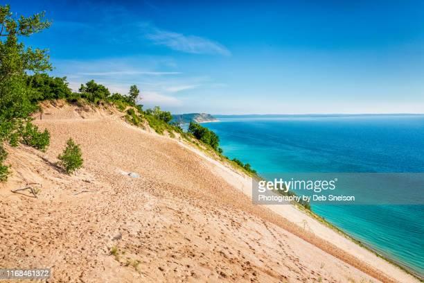 sleeping bear dunes national lakeshore lake michigan - traverse city fotografías e imágenes de stock