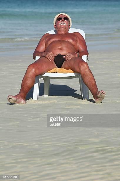 dormir sur la plage - dormir humour photos et images de collection