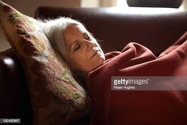 sleeping - 毛布 ストックフォトと画像
