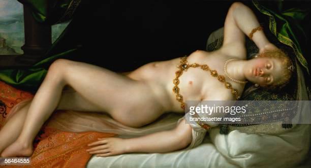 Sleeping Venus Oil on oakwood 80 x 152 cm Inv 1104 Painting from Dirk de Quade Ravesteyn [Schlafende Venus oel auf Eichenholz 80 x 152 cm Inv 1104...