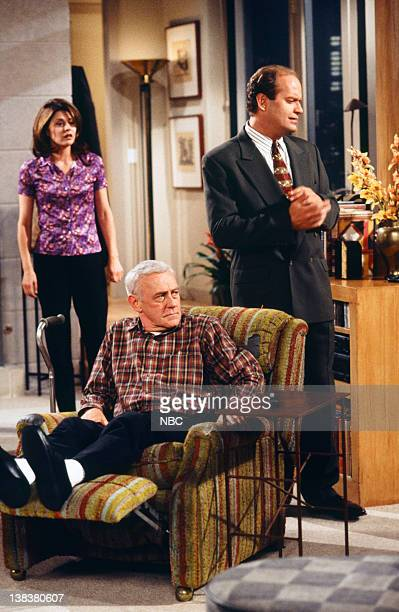 FRASIER Sleeping with the Enemy Episode 6 Pictured Jane Leeves as Daphne Moon John Mahoney as Martin Crane Kelsey Grammer as Doctor Frasier Crane
