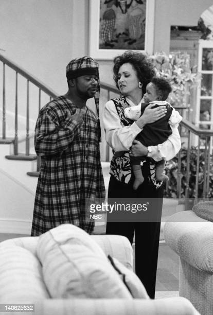AIR THE 'Sleepless in BelAir' Episode 14 Pictured Joseph Marcell as Geoffrey Daphne Reid as Vivian Banks Ross Bagley as Nicky Banks Photo by Paul...