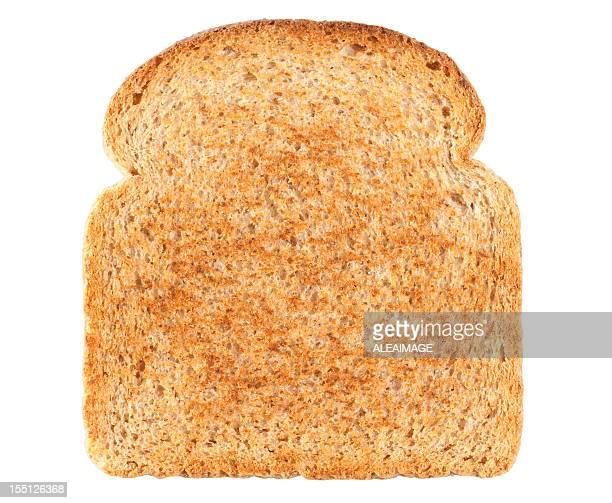 fetta di pane isolato su sfondo bianco. clipping path inclusa. - pane integrale foto e immagini stock