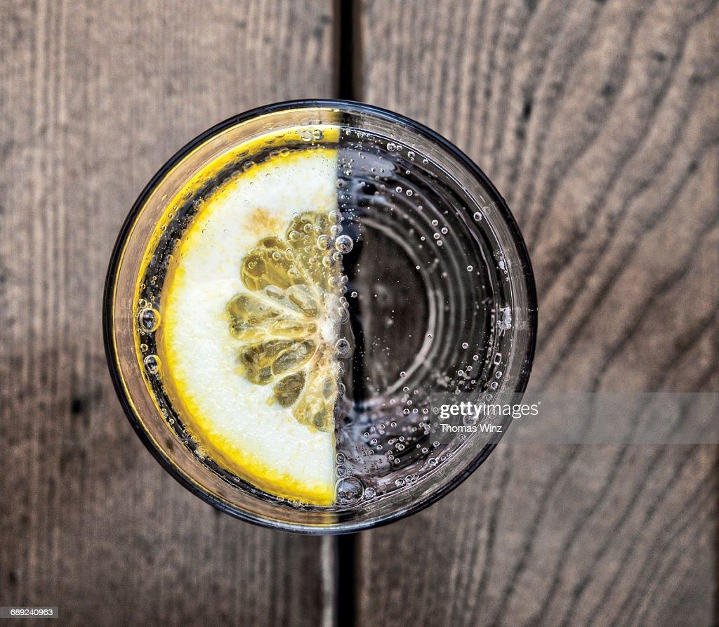 Slice of lemon in Mineral water : Stock Photo