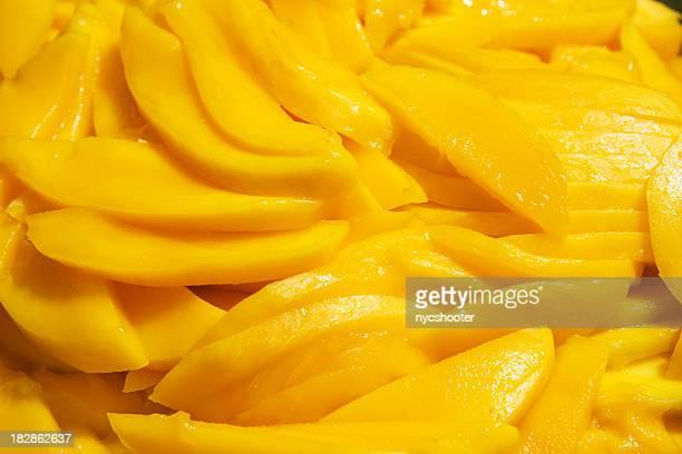 Sliced mangos