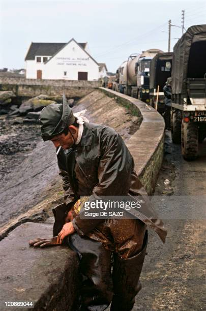 Slick In Portsall France In March 1978 Brittany the harbour of Portsall Shipwreck of the Amoco Cadiz