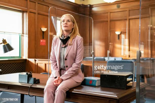 Sliding Floors Presiding over Lukes cases forces Lola to acknowledge her own implicit biases and brings her into conflict with Judge Benner. On the...