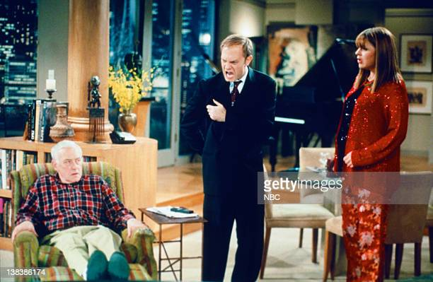 FRASIER Sliding Frasiers Episode 13 Pictured John Mahoney as Martin Crane David Hyde Pierce as Dr Niles Crane Jane Leeves as Daphne Moon