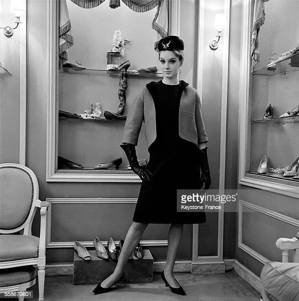 Slim Look chez le nouveau Dior par Marc Bohan à Paris France le 6 février 1961