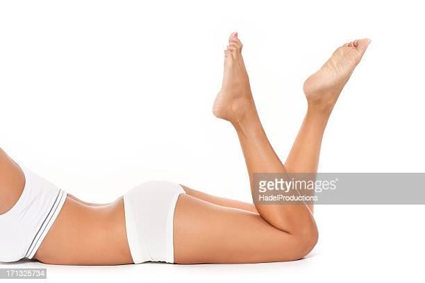 conciata corpo femminile sottile - cellulite foto e immagini stock