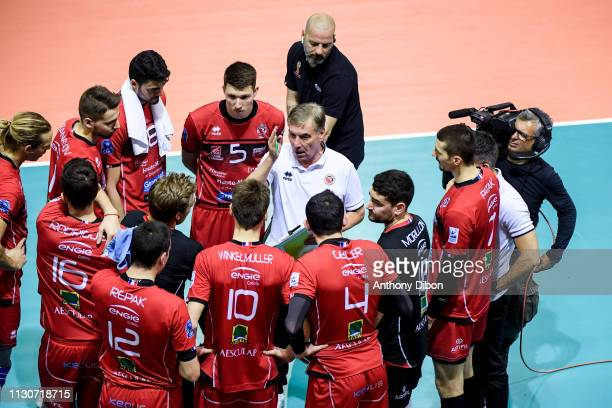 Slivano Prandi coach of Chaumont talks to the team during the CEV Champions League match Chaumont 52 and SIR Safety Perugia on March 14 2019 in Reims...