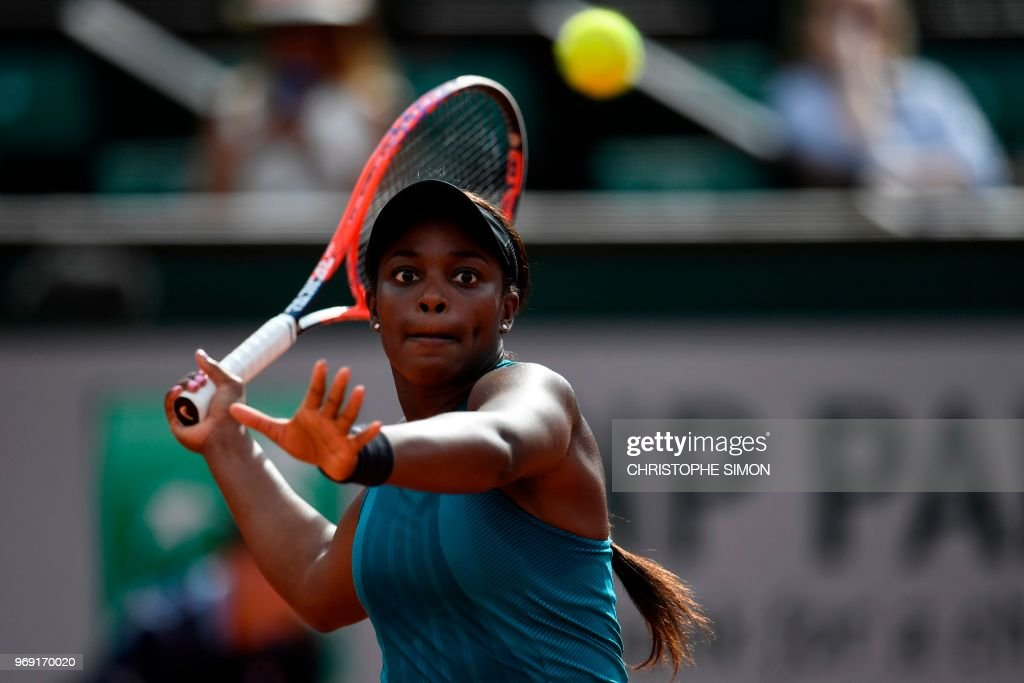 TOPSHOT-TENNIS-FRA-OPEN-WOMEN : News Photo