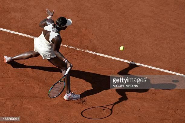 US Sloane Stephens returns the ball to Bulgaria's Tsvetana Pironkova during the women's third round at the Roland Garros 2015 French Tennis Open in...
