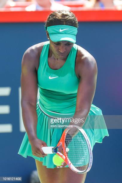 Sloane Stephens serves the ball during the WTA Coupe Rogers final on August 12, 2018 at IGA Stadium in Montréal, QC
