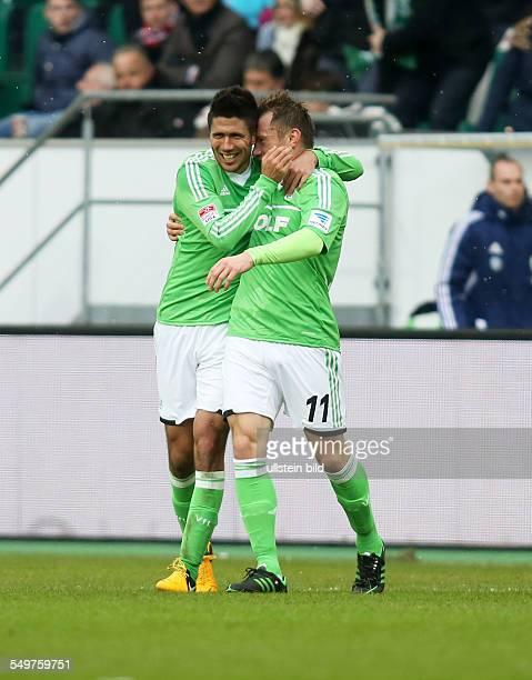 Slobodan Medojevic, Ivica Olic, Jubel, Freude, Emotion nach Tor zum 2:0 , VfL Wolfsburg, Sport, Fußball Fussball, Volkswagen Arena Wolfsburg, Herren,...