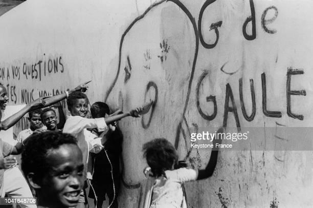 Slogans antifrançais pendant le référendum en Somalie française à Djibouti le 14 avril 1967