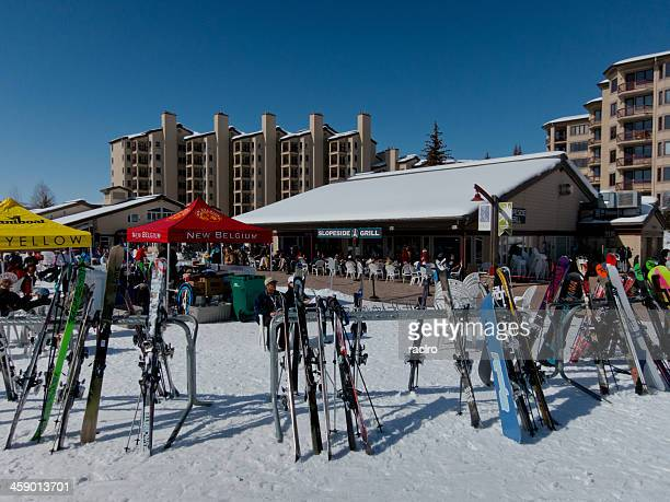 1 189 sports bar grill photos and premium high res pictures getty images https www gettyimages com photos sports bar grill