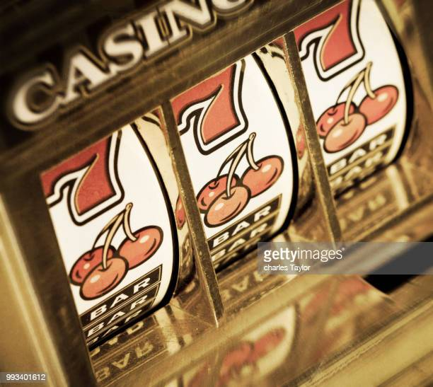slot machine - jackpot stock pictures, royalty-free photos & images