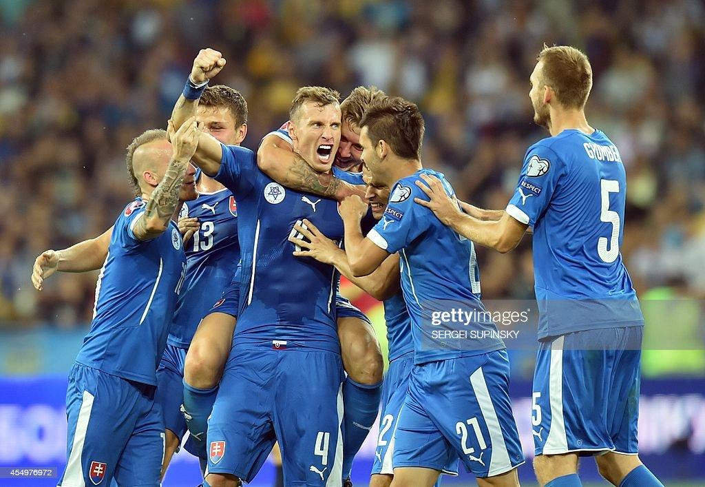 FBL-EURO-2016-UKR-SVK : Foto jornalística