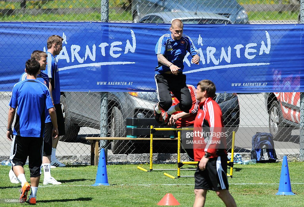 Slovakian national football team player Martin Skrtel (C) jumps during training on May 24, 2010 at the team's camp in Bad Kleinkirchheim ahead of the 2010 FIFA World Cup in South Africa.