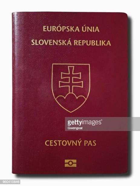 slowaakse paspoort geïsoleerd op een witte achtergrond - gwengoat stockfoto's en -beelden