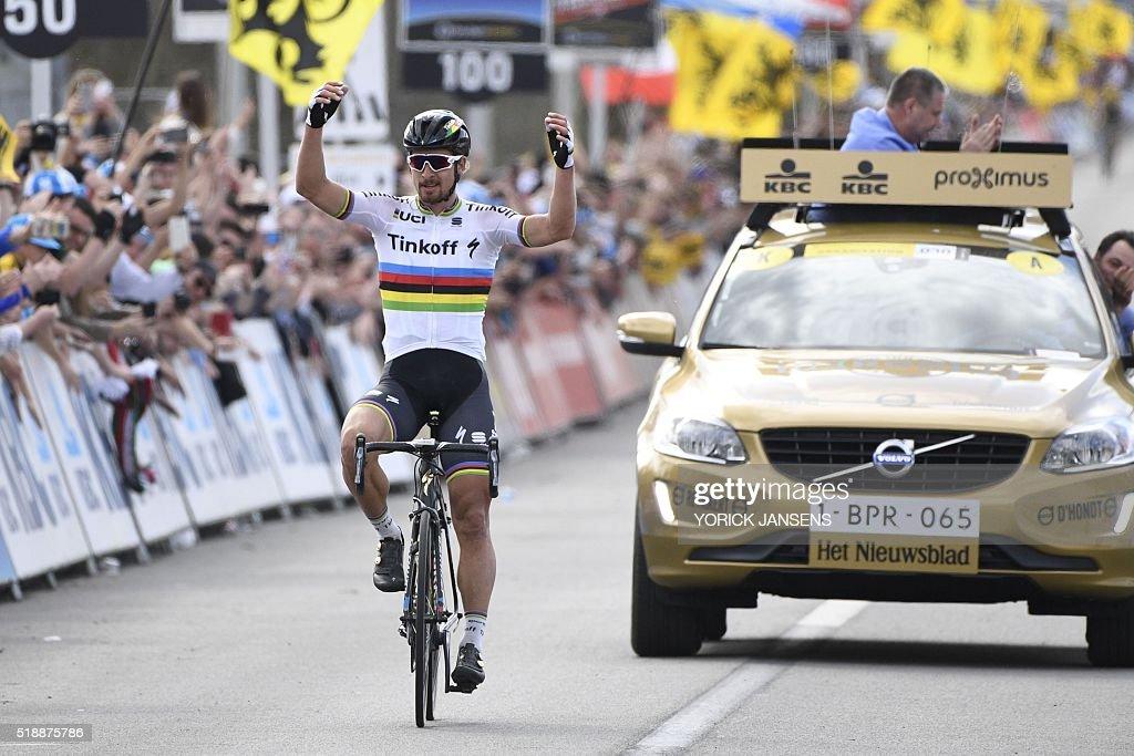 CYCLING-BEL-RACE-RONDE-VAN-VLAANDEREN : News Photo