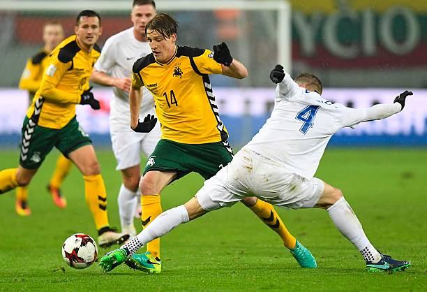 Vykintas Slivka (l.) will be Lithuania's key player. (JOE KLAMAR/AFP/Getty Images)