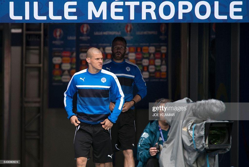 FBL-EURO-2016-SVK-TRAINING : News Photo
