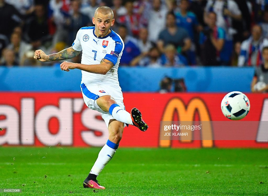 FBL-EURO-2016-MATCH13-RUS-SVK : News Photo