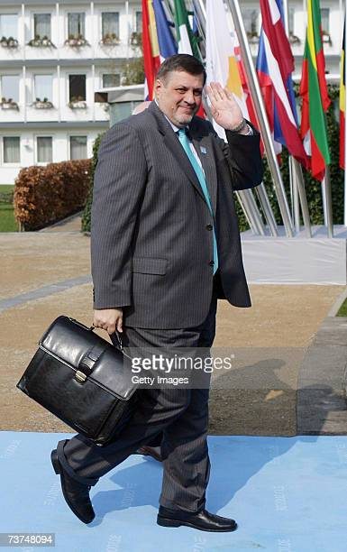 Slovakia's Minister for Foreign Affairs Jan Kubis waves to the photogrphers on March 30 2007 in Bremen Germany The working session will concentrate...