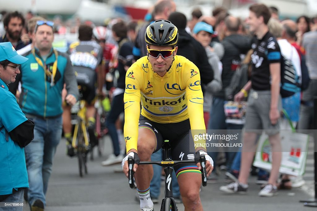 CYCLING-FRA-TDF2016-DEPARTURE : News Photo