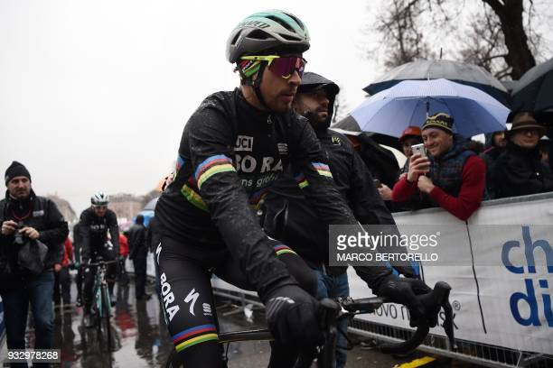 Slovakia's rider Peter Sagan arrives to take the start of the 109th Milan San Remo cycling race on March 17 2018 in Milan / AFP PHOTO / Marco...
