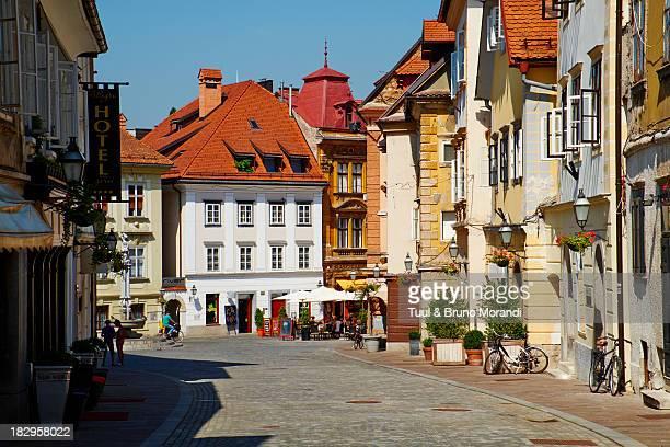 slovenia, ljubljana, gorjni street - リュブリャナ ストックフォトと画像