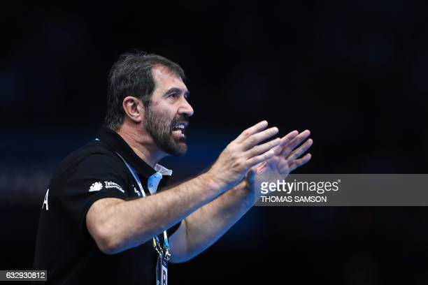 Slovenia's head coach Veselin Vujovic gives his instructions during the 25th IHF Men's World Championship 2017 bronze medal handball match Slovenia...