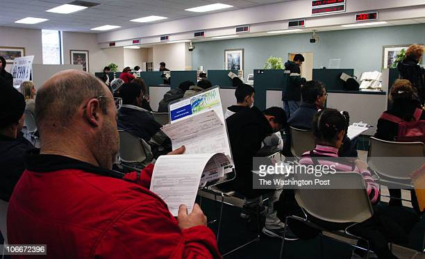 ME/DMV Date 20031206 Photographer Gerald Martineau_TWP Neg#150152 DMV on Gallows rd near Tyson's Corner DMV application validation increases due to...