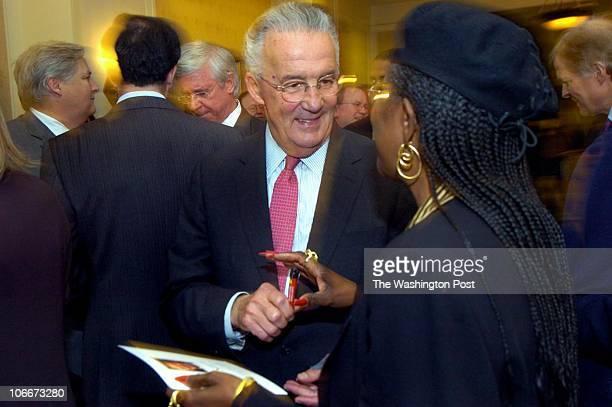 ME/sarbanes photog Katherine Frey TWP neg# freyk 174112 date 11/01/05 Baltimore MD subject Democrats throw party for retiring Sen Paul Sarbanes...