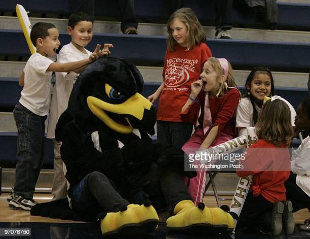 mx/sing21 Date February 162008 Photographer Toni L Sandys/TWP Neg # {transferf} Bethesda MD The Maryland Nighthawks with the Premier Basketball...