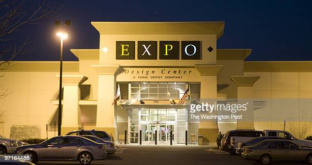 NA/Jobless Date Kevin Clark/The Washington Post Neg # clarkk206 Bethesda MD Home Depot's Expo Design stores will close leaving more than 2000 people...