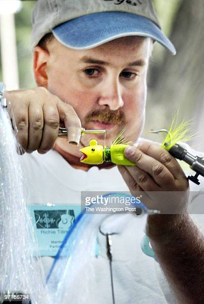 ph/folklife date June 23 2004 photog Gerald Martineau The Mall Folklife Festival neg 156965 Chesapeake Bay Watermen Displays Professional Bait Tyer...