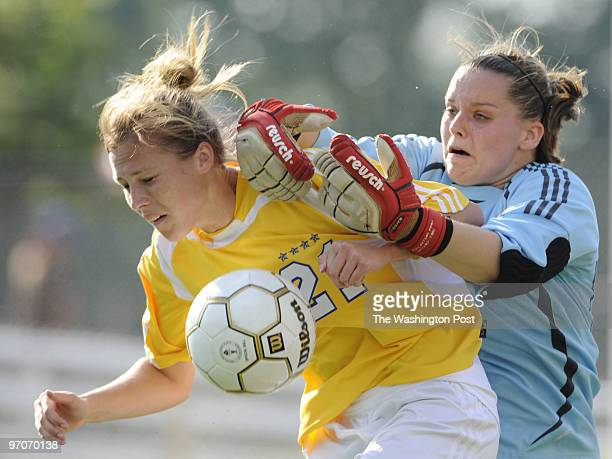 sp_vasoc31 Date May 302008 Photographer Toni L Sandys/TWP Neg # 201781 Arlington VA Virginia girls' and boys' soccer doubleheader The winners of each...