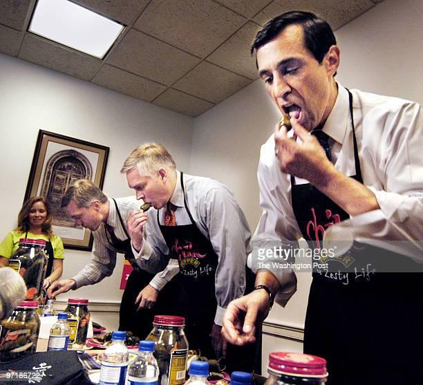 st/peppeer date June 22 2004 photog Gerald Martineau USCapiatol House Side HC6 neg 156917 Congressman Jalepeno Pepper eating contest LR Congressmen...
