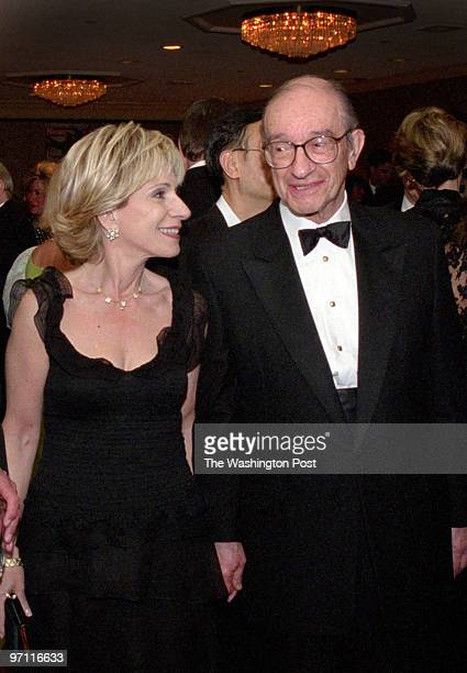 ST/WHCORRES Date 4/26/2003 Photographer Gerald Martineau/TWP Neg# 141274 Washington Hilton Washington DC TV reporter Andrea Mitchell left her husband...
